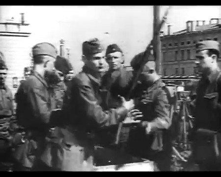 Kızıl Ordunun 1941de Moskova önlerinde başlayıp, 1945te Berlinde son bulan yolculuğu.