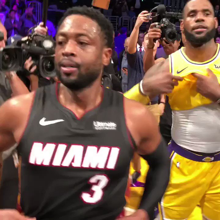 What a moment between brothers!   #OneLastDance #ThisIsWhyWePlay https://t.co/AhTLEYeby0