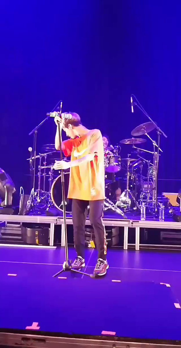 [Stand Out Fit In] My new fav song💕  181210 In Netherlands🇳🇱  #Repost from Ig: @.ggkmxx Thank u so much for sharing🙆 #ONEOKROCK #ワンオク #europeantour2018