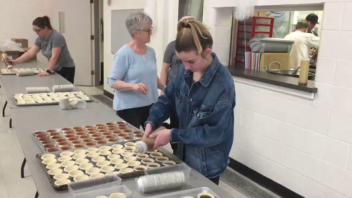 Image for the Tweet beginning: Volunteers in Weyburn are helping