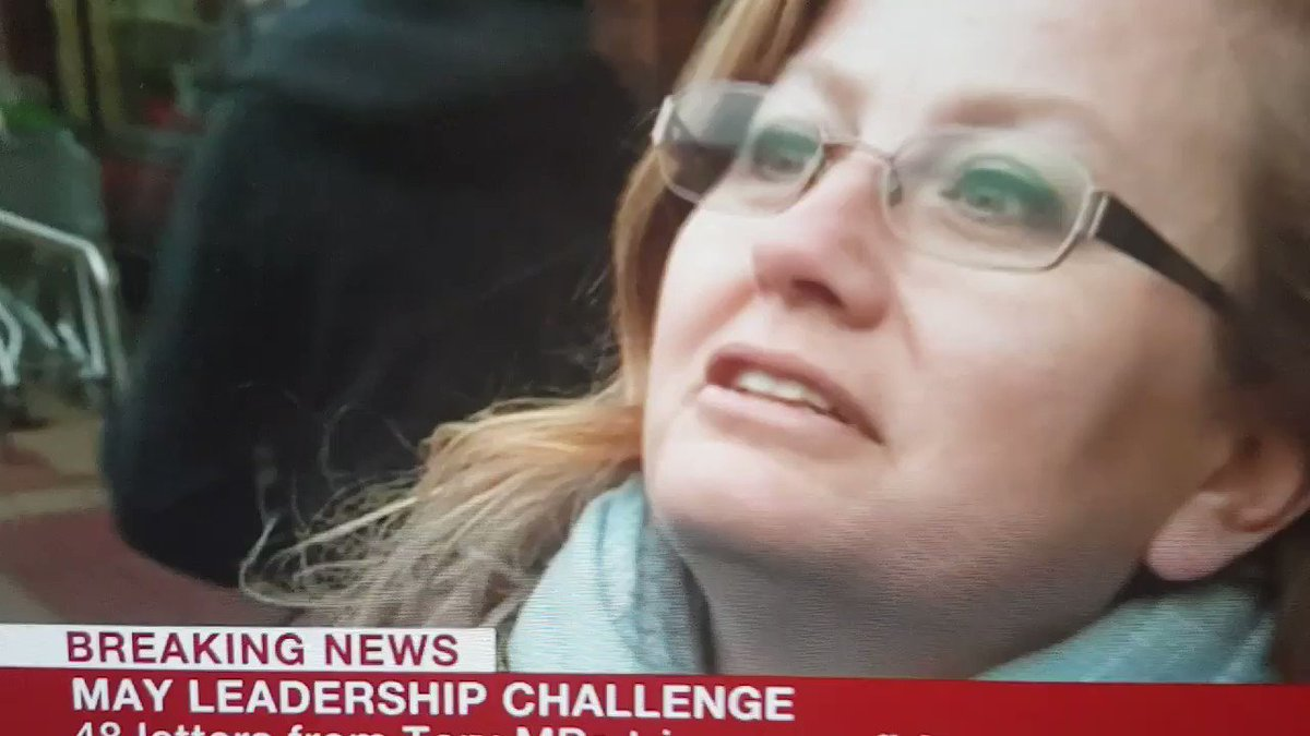Child appears to teleport during BBC interview