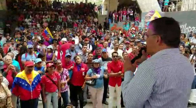 @JauaMiranda :En Venezuela el siglo XXI comenzó el #06Dic de 1998 con la primera gran victoria popular de esta corriente histórica bajo el liderazgo de nuestro Cmdte Hugo Chávez (...) Hace 20 años andábamos contentos, esperanzados todas estas fuerzas que estamos aquí.