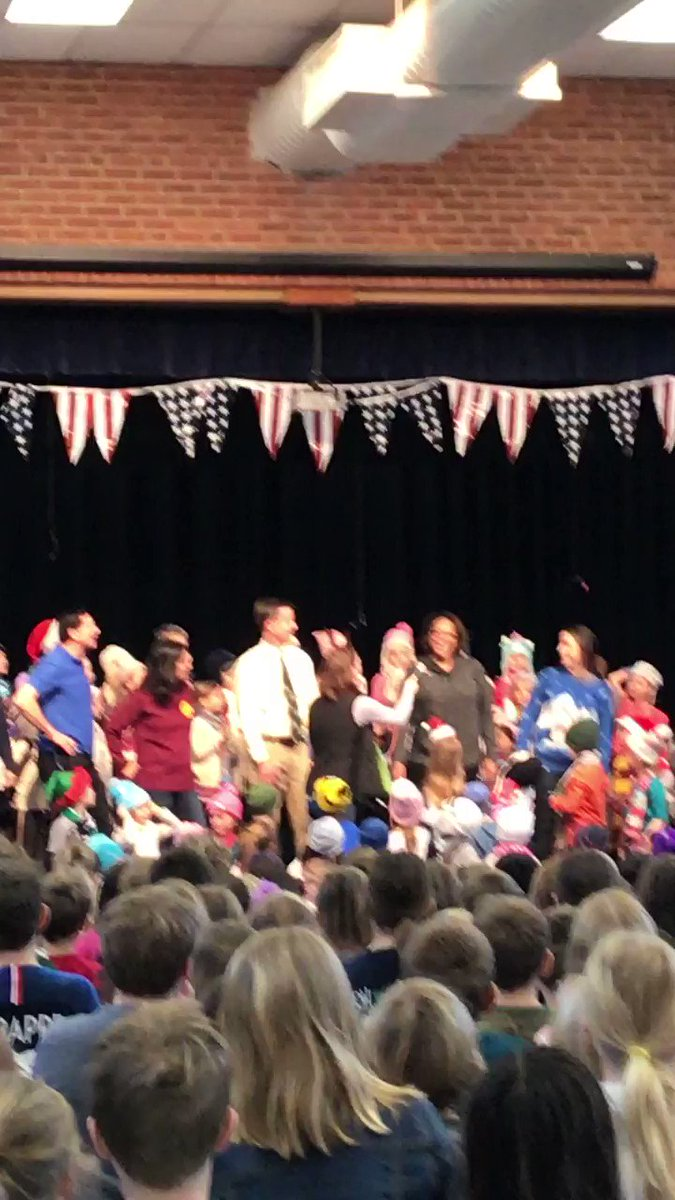 Having a great time at the Whole School Morning Meeting led by Kindergarten! Great Job <a target='_blank' href='http://twitter.com/monicaroache'>@monicaroache</a>! <a target='_blank' href='https://t.co/jnZa7S11FF'>https://t.co/jnZa7S11FF</a>