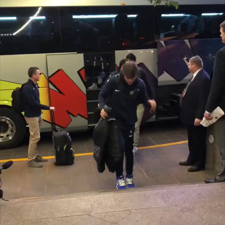 #TeamIsEverything   The @utahjazz have touched down in Mexico City for #NBAenMéxico action.