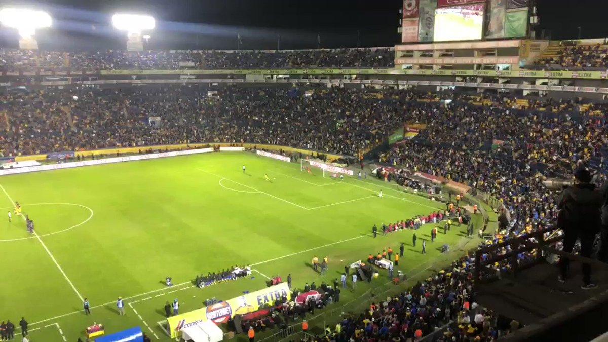 """""""El fútbol femenino no tiene nivel """" """"las chicas no llenan estadios"""" """"el fútbol es solo de los hombres"""" 😂😂aguante las pibas !!! Vamos las chicas ! Miren lo q ocurrió en #México la #LIGAMXFemenil 41k! apoyemos para el fútbol femenino crezca cada vez más !"""