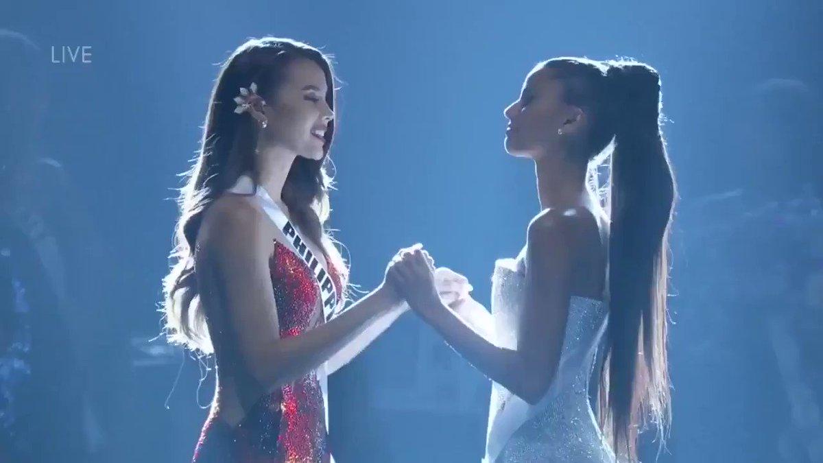 RT @krizzy_kalerqui: NAKAKAIYAK!!!! 😭😭😭 ❤️🇵🇭❤️ #MissUniverse #Philippines https://t.co/HoQbYY1rDR