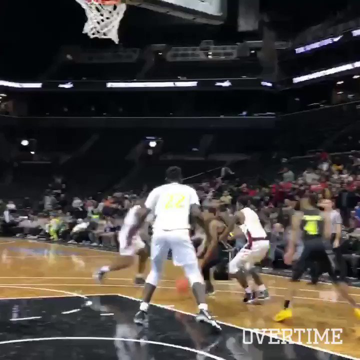 Kahlil Whitney with the GAME WINNER at the Kyrie Irving Invitational 😮 @KahlilWhitney @KyrieIrving