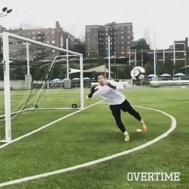 A bit of #tuesdaymotivation make sure you don't skip your GK workout today!   📽 @overtime #goalkeepersdoitbest #goalkeepergloves #goalkeepertraining #goalkeepercoach #gksaves #goalkeepersaves #goalkeeperglove @Keepitonthedeck
