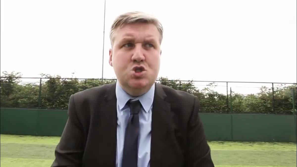 Jamie Carraghers reaction to Mourinho getting sacked! 😂 Credit: @DFImpressionist #LFC #YNWA @Carra23