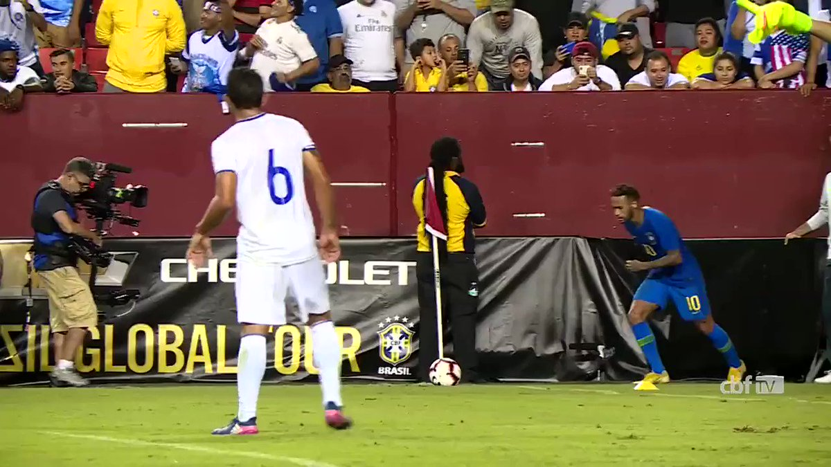 #Retrospectiva2018  Hoje é dia de gol de zagueiro no #GoldoDia. Cabeçada firme de Marquinhos para fechar a vitória sobre El Salvador! ⚽🇧🇷 #GigantesPorNatureza