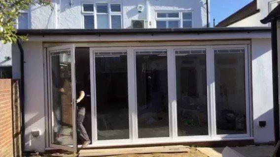 We removed the hinges connecting each panel to give you the most versatile #door on the market, experience it now! 🏠 #panoramicdoorsuk #alumen #welglaze #homebuilding #homedesign #homeimprovement #interiordesign2018 #newbuild #bifold #bifolds #bifolddoor #indooroutdoorliving https://t.co/rSwhYNisop