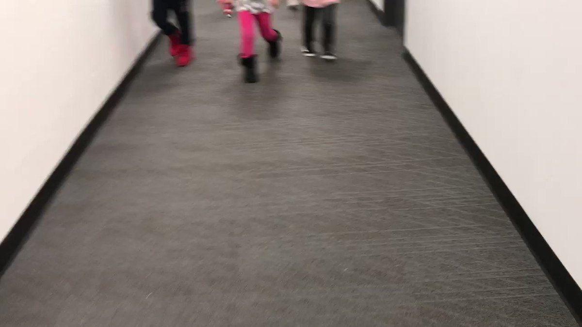 Excited to see the youngest ACC  students roaming the halls with festive cheer! ⁦<a target='_blank' href='http://twitter.com/APSACCECE'>@APSACCECE</a>⁩  ⁦<a target='_blank' href='http://twitter.com/APSCareerCenter'>@APSCareerCenter</a>⁩ <a target='_blank' href='https://t.co/TRh73ImNuY'>https://t.co/TRh73ImNuY</a>