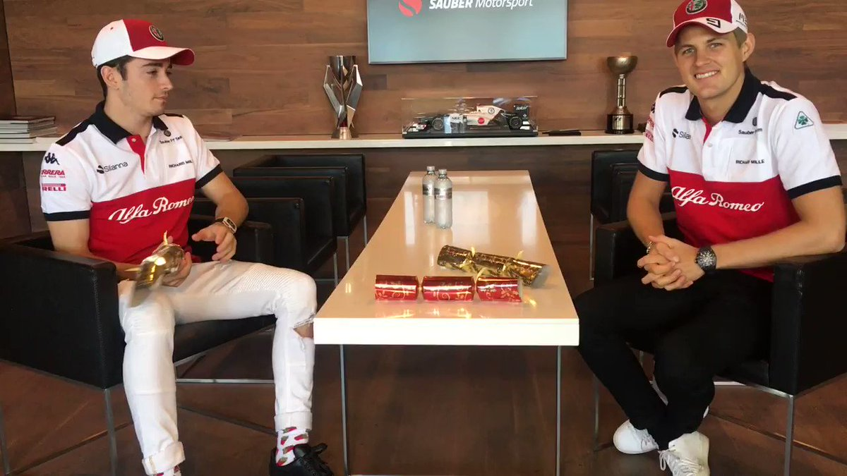 Christmas is just around the corner which means it's time for @Charles_Leclerc & @Ericsson_Marcus to open the first of our #ChristmasCrackers!  #Alfaromeosauberf1team #F1