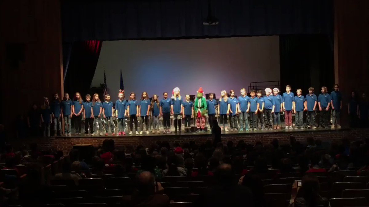 A great WMS send off for the winter break! <a target='_blank' href='http://twitter.com/WMS_WolfPack'>@WMS_WolfPack</a> <a target='_blank' href='http://twitter.com/McTavishChorus'>@McTavishChorus</a> <a target='_blank' href='https://t.co/aS1Zg0MwGf'>https://t.co/aS1Zg0MwGf</a>