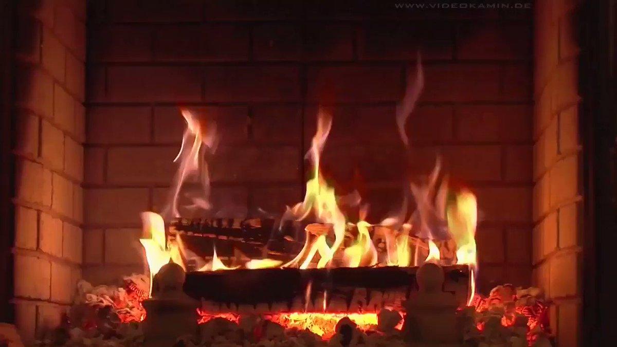 Гифка огня в камине, картинка