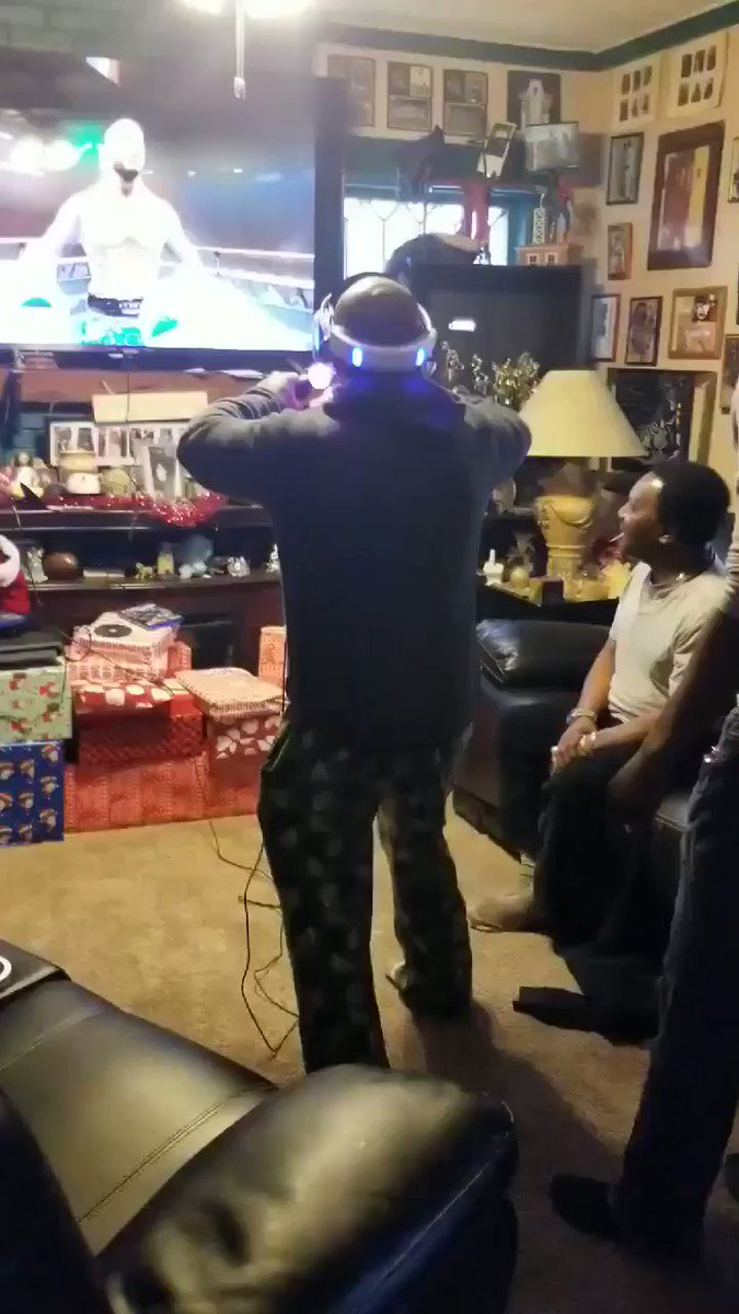 When PS4 VR gets real lmao 😂🤣