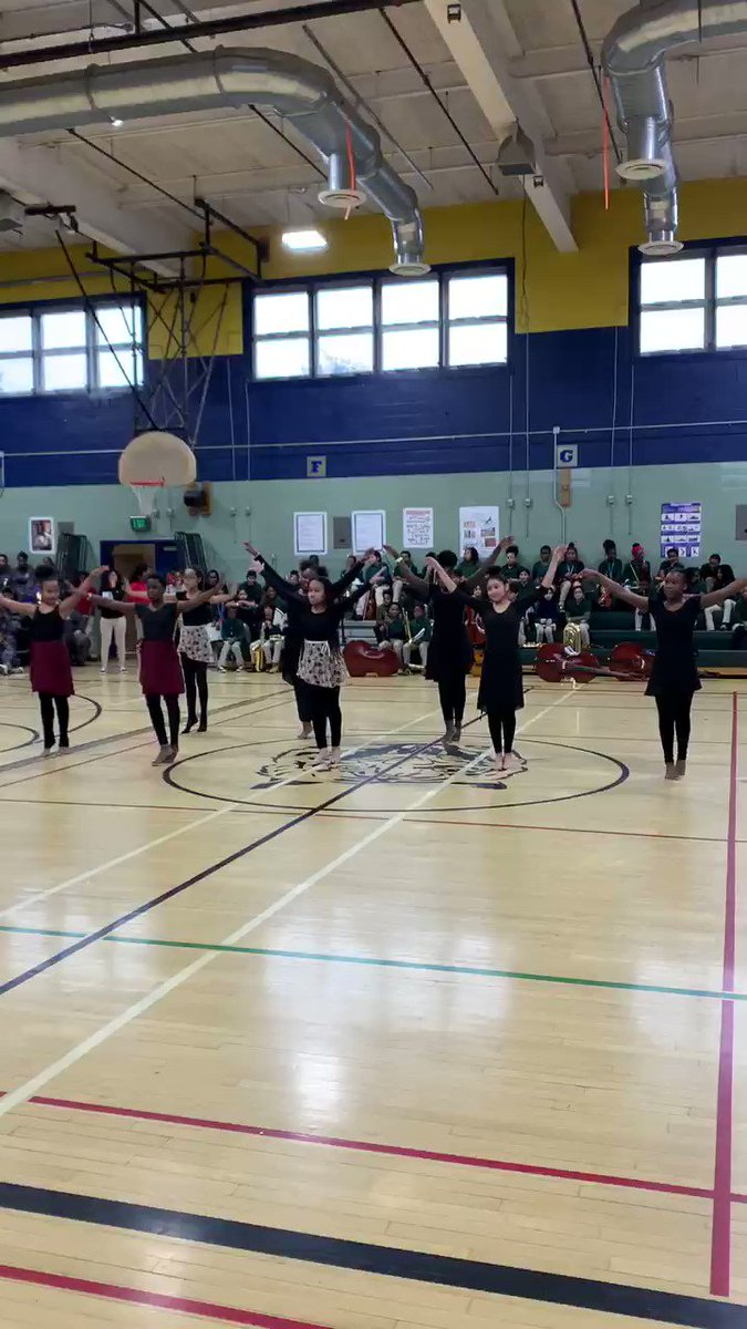 6th grade dancers during last week's Day Concert ⁦@SwaMagnet⁩