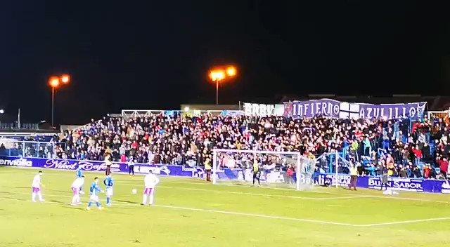 Que bonito es ganar en el futbolín! @Linares_Dptvo – at Estadio Municipal de Linarejos