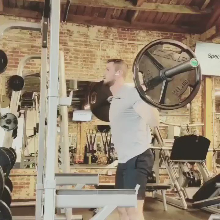 """Day 1 """"Push"""" from the brand new big friggin legs plan by guest contributor Seth Broadstreet. 👊   BB Back Squat x 12,10,8,8,8,6 BB Reverse Lunges 4 x 12 Single Leg Press 4 x 15 Leg Extension x 15,15,12,10,10 Seated Calf Raise Toes Inward 5 x 20 Rest 60s between all sets."""