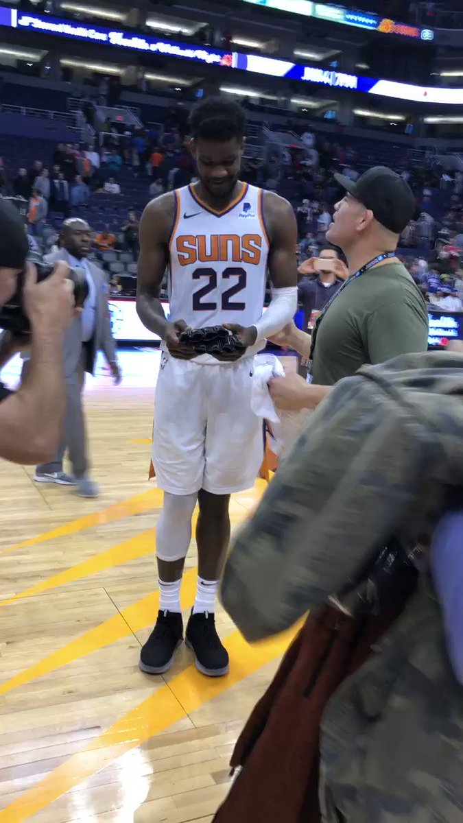 Really cool to meet @DeandreAyton and the @Suns last night. Don't forget tickets for @ufc Phoenix go on sale tomorrow.