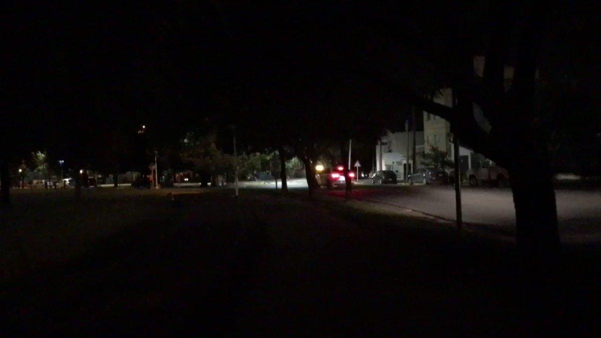 #ahora Así está la Plaza del Deporte. Se quemaron varias luces. 📞 #LuSal  Video: Carlos Castro
