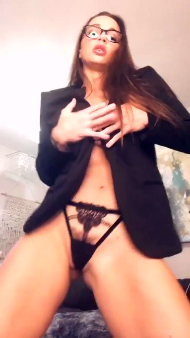 HOT FOR TEACHER! STRIP SHOW UP ON https://t.co/sbYuO3Nw2T JOIN NOW FOR FREE AND WATCH! NAUGHTY SHOWS