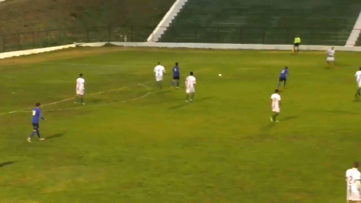 """""""En el fútbol primero va la cabeza, después los pies. Si no funciona la cabeza, olvidate de los pies"""". Johan Cruyff. Esto empieza ya!! 💚⚽️"""