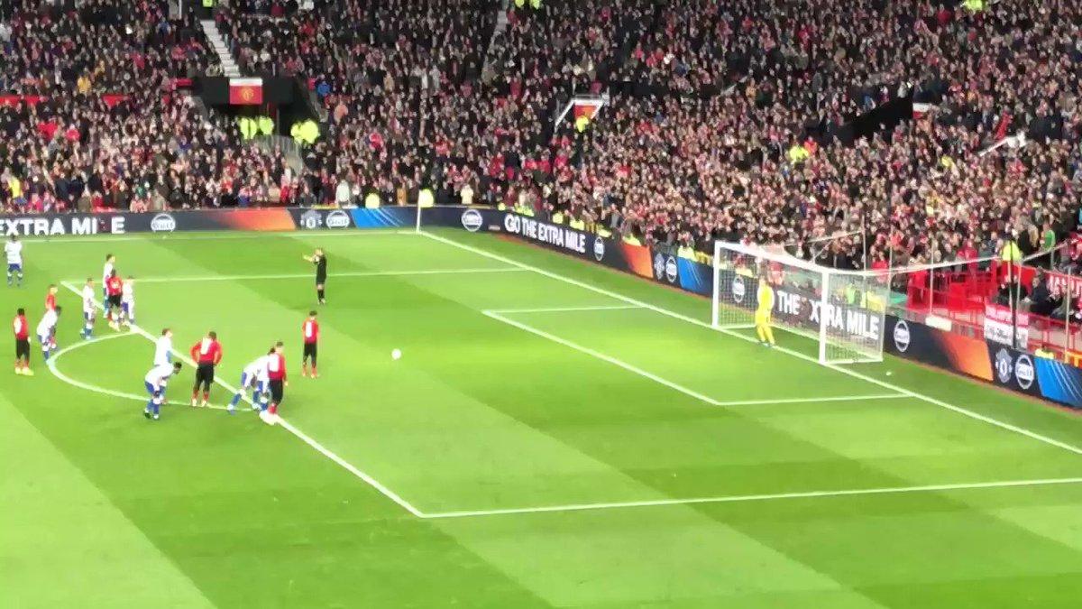Le but de Juan Mata sur penalty. #MUFC #MNUREA