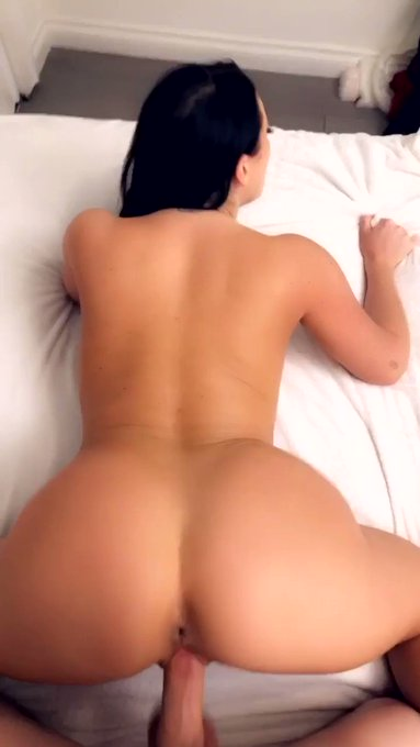 Bend me over and take me on my premium Snapchat 👻👉🏻 https://t.co/9sCSR7r29b https://t.co/C6zwonHySM