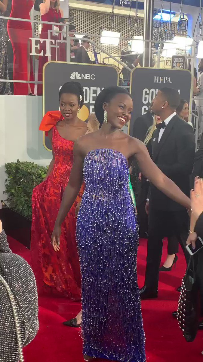 look how gorgeous lupita is PLEASE