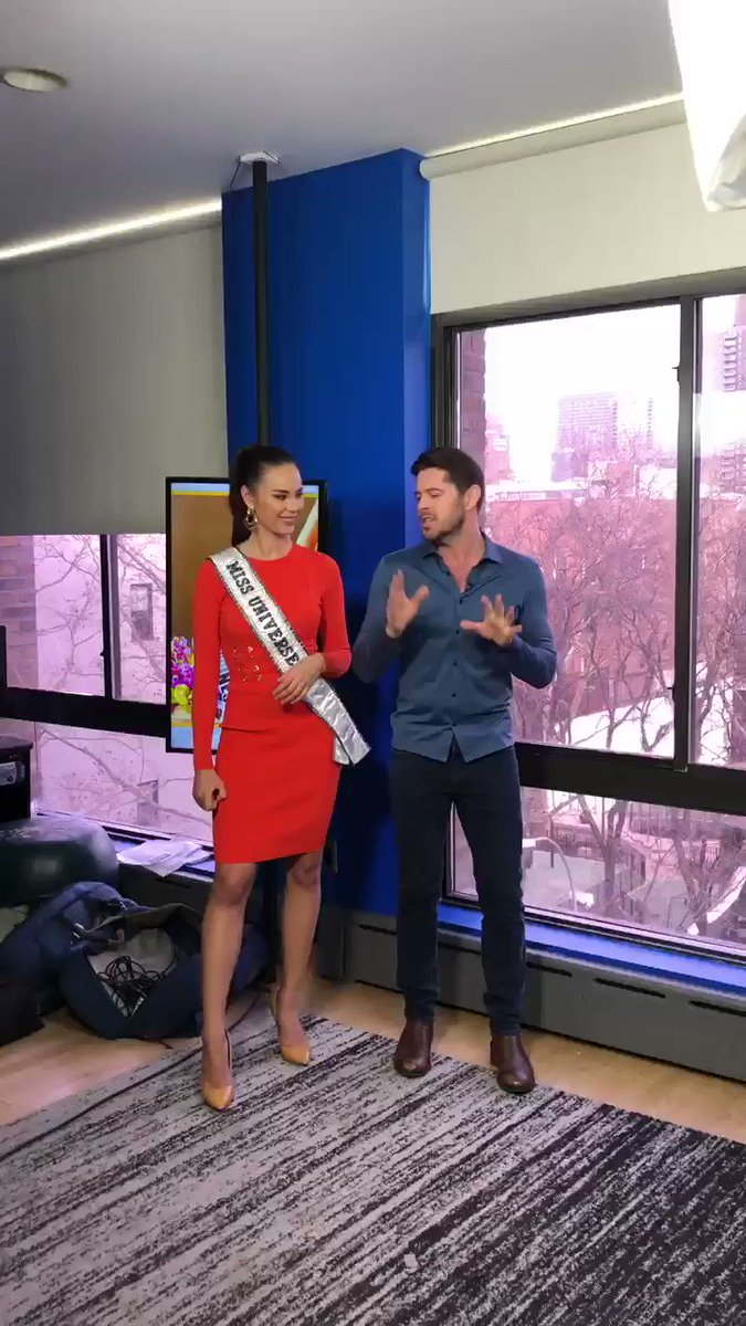 It's safe to say that our Stephen Walker learned a thing or two when @MissUniverse @catrionaelisa stopped by the office 😂😎🤩 #MissUniverse