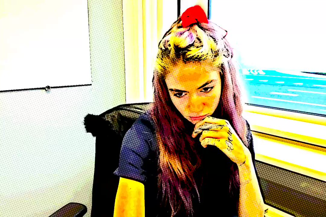 Watch Grimes Tease A New Song From Her Upcoming Album On Twitter