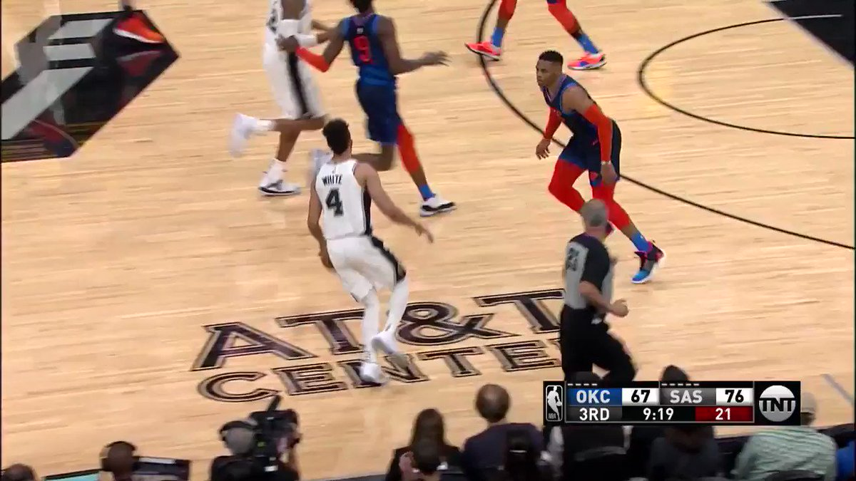 �� 11/11 on @NBAonTNT ��  Last time @spurs hit this many to start a game was Feb. 21, 2002. #GoSpursGo https://t.co/G91WhSlxvX