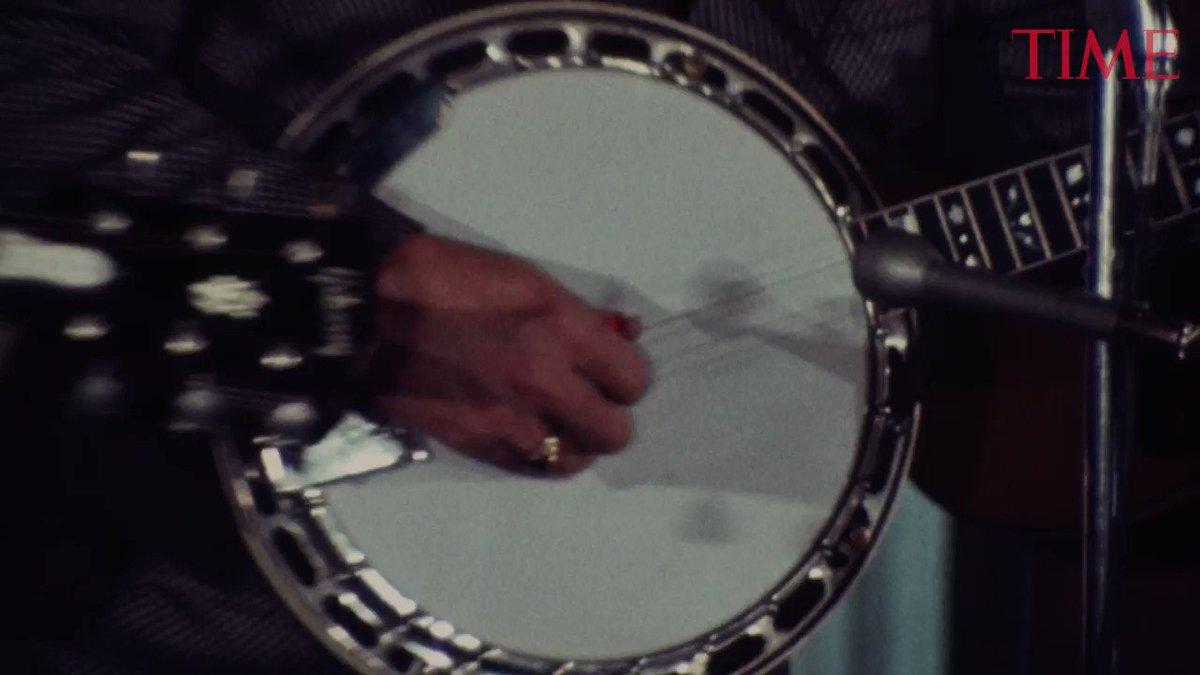 Google Doodle honors banjo-picking bluegrass legend Earl Scruggs http://mag.time.com/x0i9ifJ