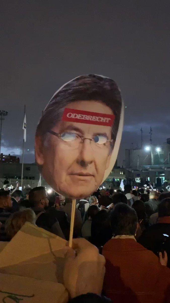 Indignados Colombia's photo on #RenuncieFiscal
