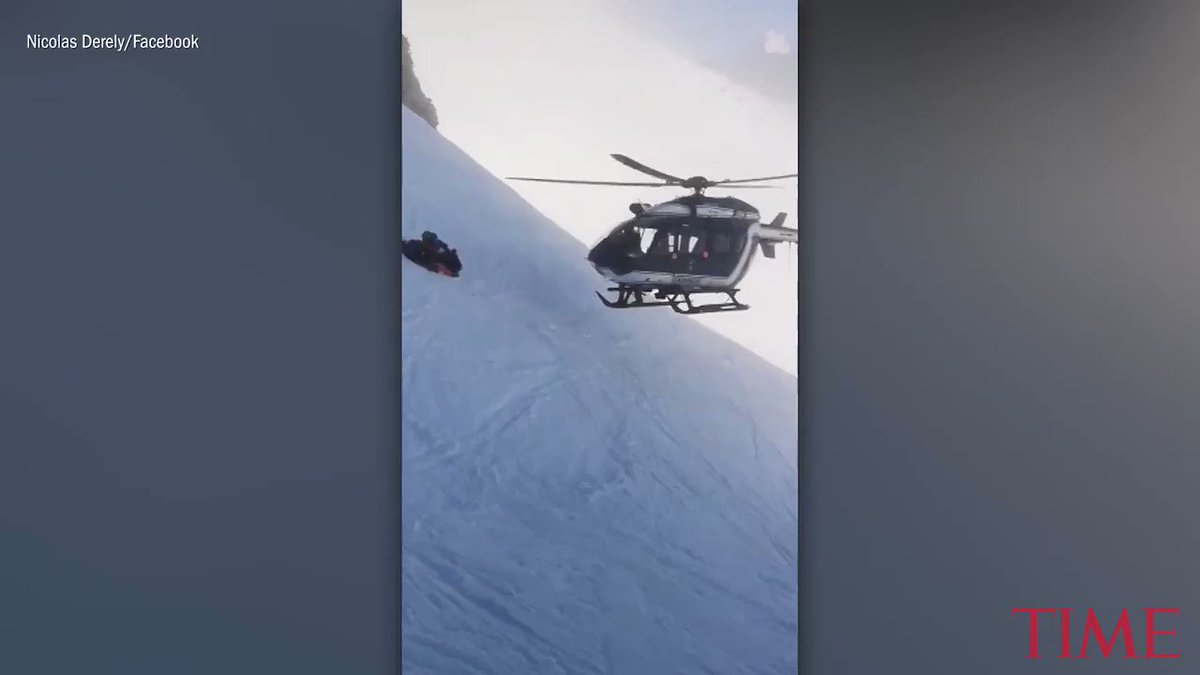 Video captures helicopter pilot's daring mountain rescue on a steep slope https://t.co/7iHk7Ceqgg https://t.co/WLvv8zyJ9s
