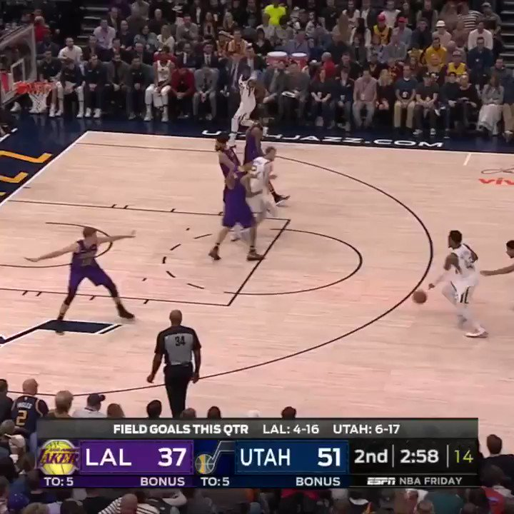 DONOVAN MITCHELL IS A BAD MAN �� https://t.co/0d7qw6ryQB