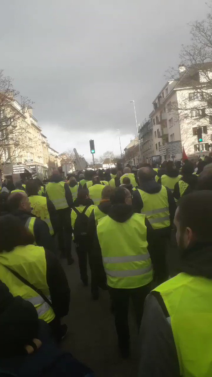 #GiletsJaunes #Acte9 #Caen  La France en marche ça ne marche pas
