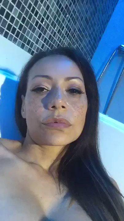 Model - Lara Tinelli pornstar