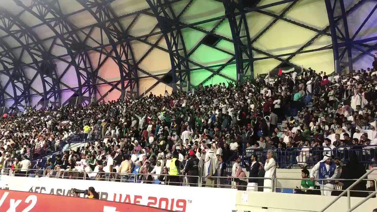 للسعودي جينا .. من كل مدينة 🎶🎶🇸🇦 #لبنان_السعودية #كأس_آسيا2019 https://t.co/rVAWfrl0ko