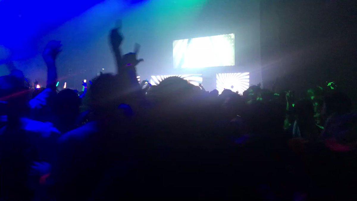RT @akifyaman69: 日本最大のクラブ アゲハ メインステージでVtuber ミライアカリがDJして、この盛り上がり。  新しい時代が来た感  #リア二 #reani_dj https://t.co/wJTARifu6a