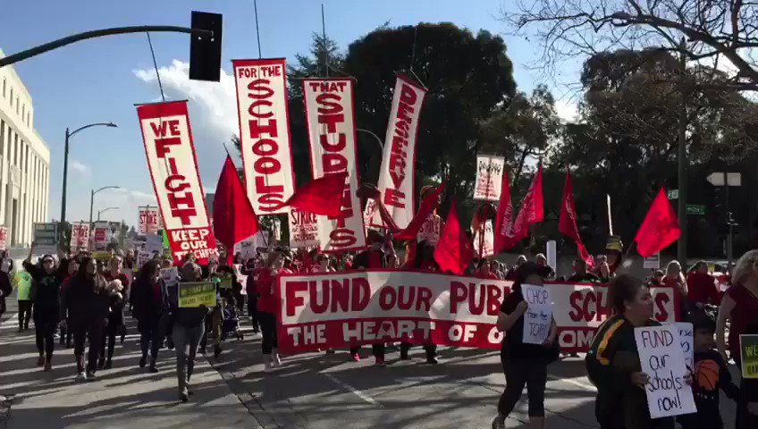 Get up! Get down! 🚩 Oakland is a union town! 🚩 @OaklandEA #RedforEd #StrikeReady