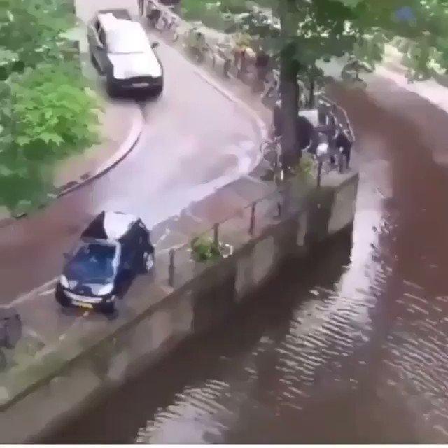 RT @bafflingo: OMG 😮 #accident #SaturdayThoughts https://t.co/AIZdIATFur