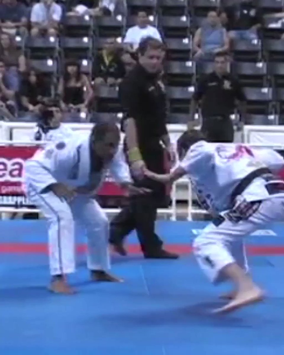 On this #flashbackfriday we went into the archives and pulled up an awesome match between Mario Reis and Wilson Reis in the 2007 IBJJF Worlds. Watch the entire match on our YouTube… http://instagram.com/p/BshRxqiHzIy/…