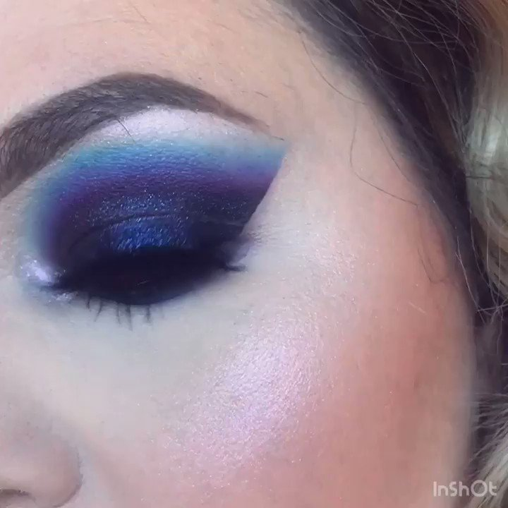 Galaxy Smoky Eye 🌌  @MorpheBrushes X @jamescharles Artistry Palette #morphebabe  @ABHcosmetics Dream Glow Kit @LashKitty Fabulash Lashes (use code KAITKMUA) @BenefitBeauty Precisely My Brow Pencil  @UDM_MUAS