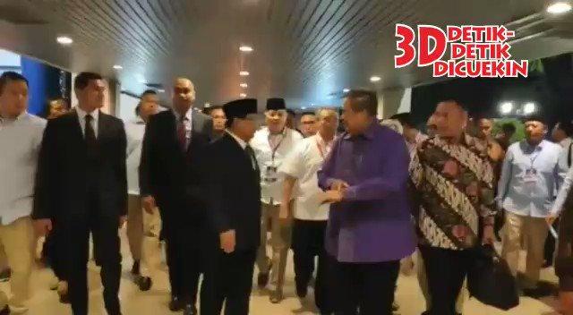 Sabar yes, Pak @SBYudhoyono , buat anak dan keluarga, memang kudu banyak ngelus dada. Gapapa ya 🙏🏼😊