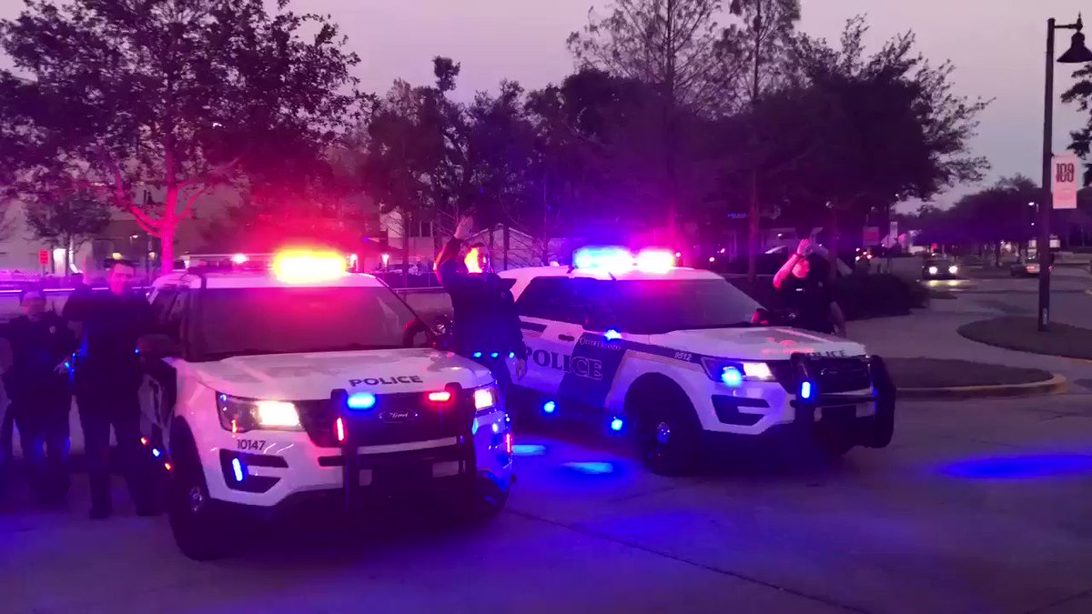 Good Night Lights has arrived in 2019! In this great event, our officers flash their lights at the children in the hospital. They in turn flash their lights/wands back at us. We love saying goodnight and waving at the kids!