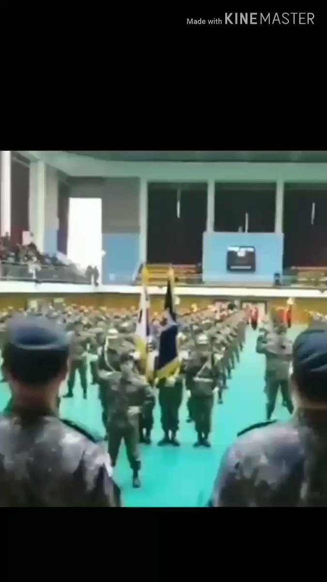 RT @blinkytaemin: unmute to see jinki teach his platoon the real national anthem https://t.co/L6wePjHHa5