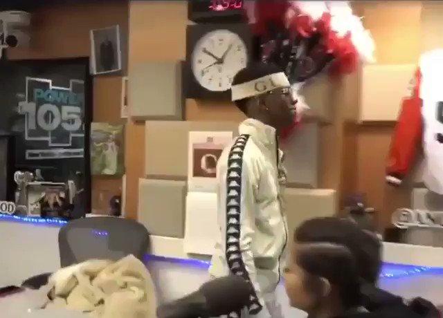 "RT @jtylerconway: The way Soulja Boy said ""DRAAAAAAAAAKE??!?? DRAKE???"" gonna be a forever meme 😂😂 https://t.co/a5bwCalDzu"