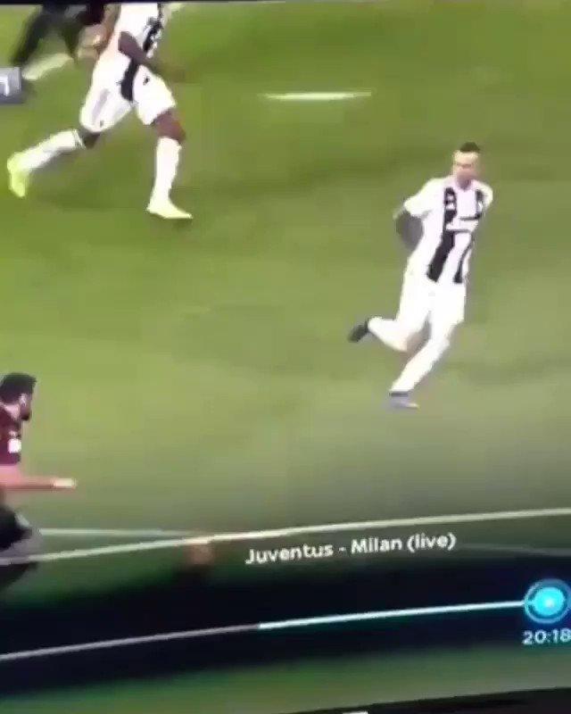 La Juve vince la #Supercoppa ma scoppia la polemica perché #Banti non va a rivedere questo rigore per fallo di #EmreCan | http://Tackleduro.com